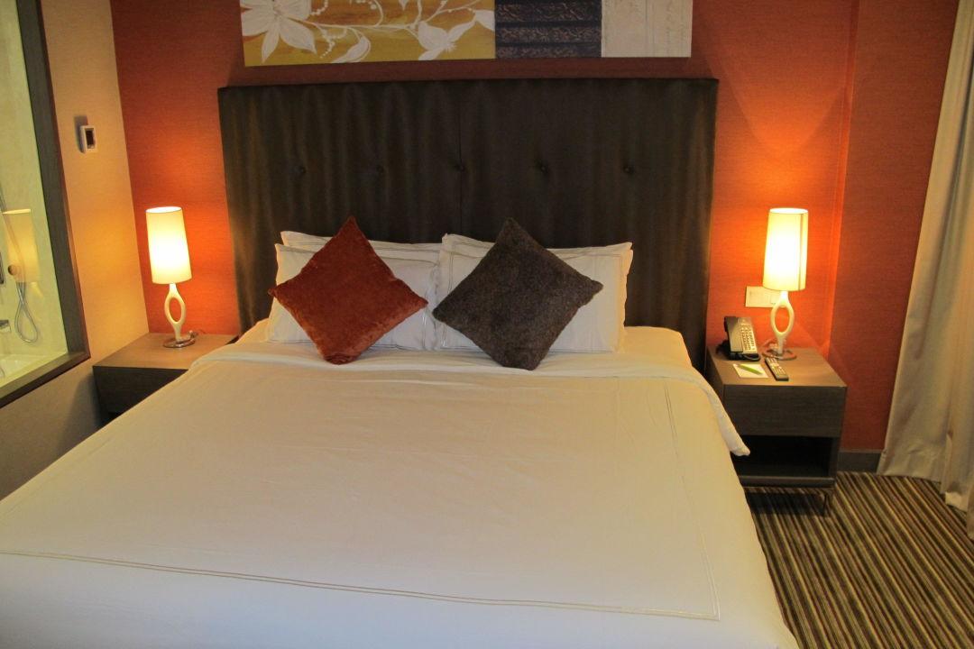Das sehr bequeme Bett Hotel Park Avenue Changi