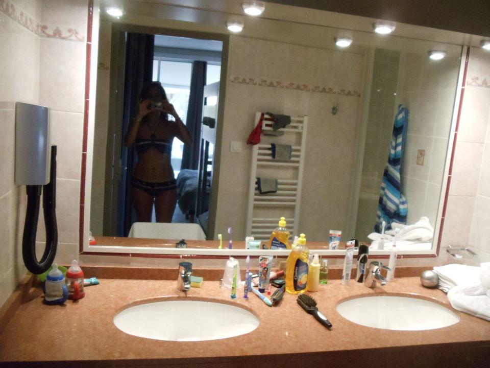 """bad mit dusche und separtes wc 2 waschbecken"""" hotel belambra, Hause ideen"""
