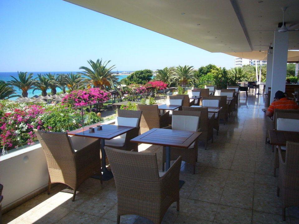 Frühstücks- und Mittags- und Abendterrasse Hotel Alion Beach