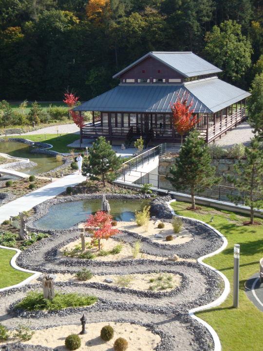 Asiatischer Garten Mit Pavillon Hotel Spa Linsberg Asia Bad