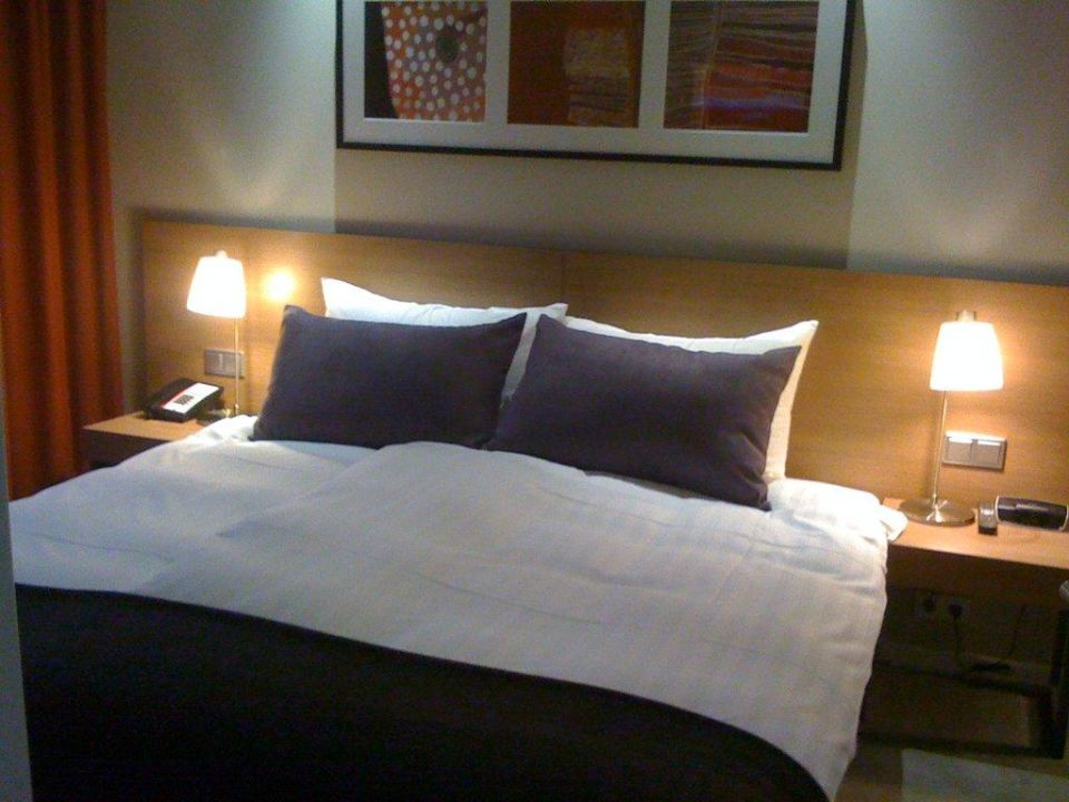 Schlafzimmer Adina Apartment Hotel Frankfurt Neue Oper