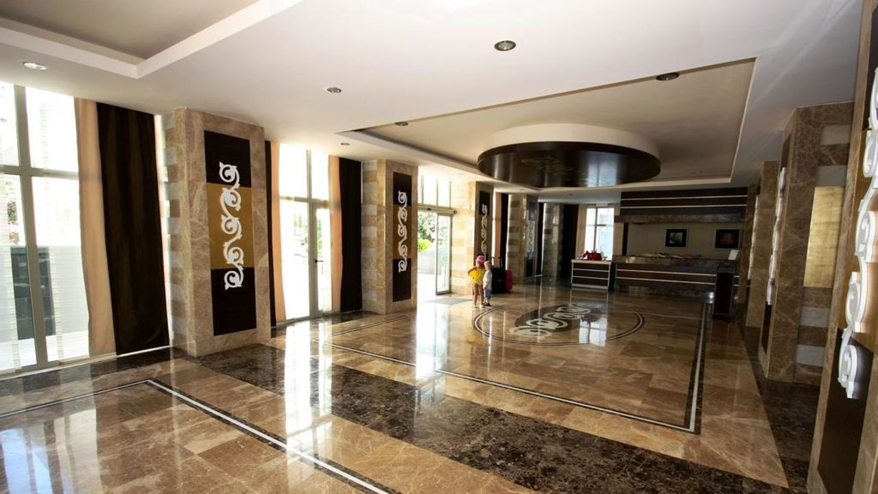 Lobby Hotel Terrace Beach Resort