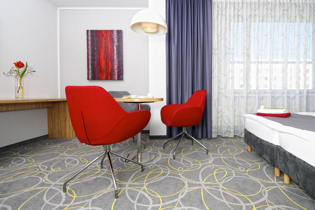 hotel dreibettzimmer cityherberge dresden dresden. Black Bedroom Furniture Sets. Home Design Ideas