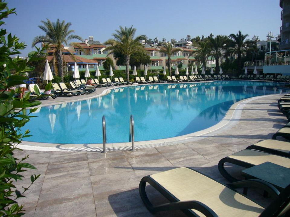 Pool Side Sun Hotel