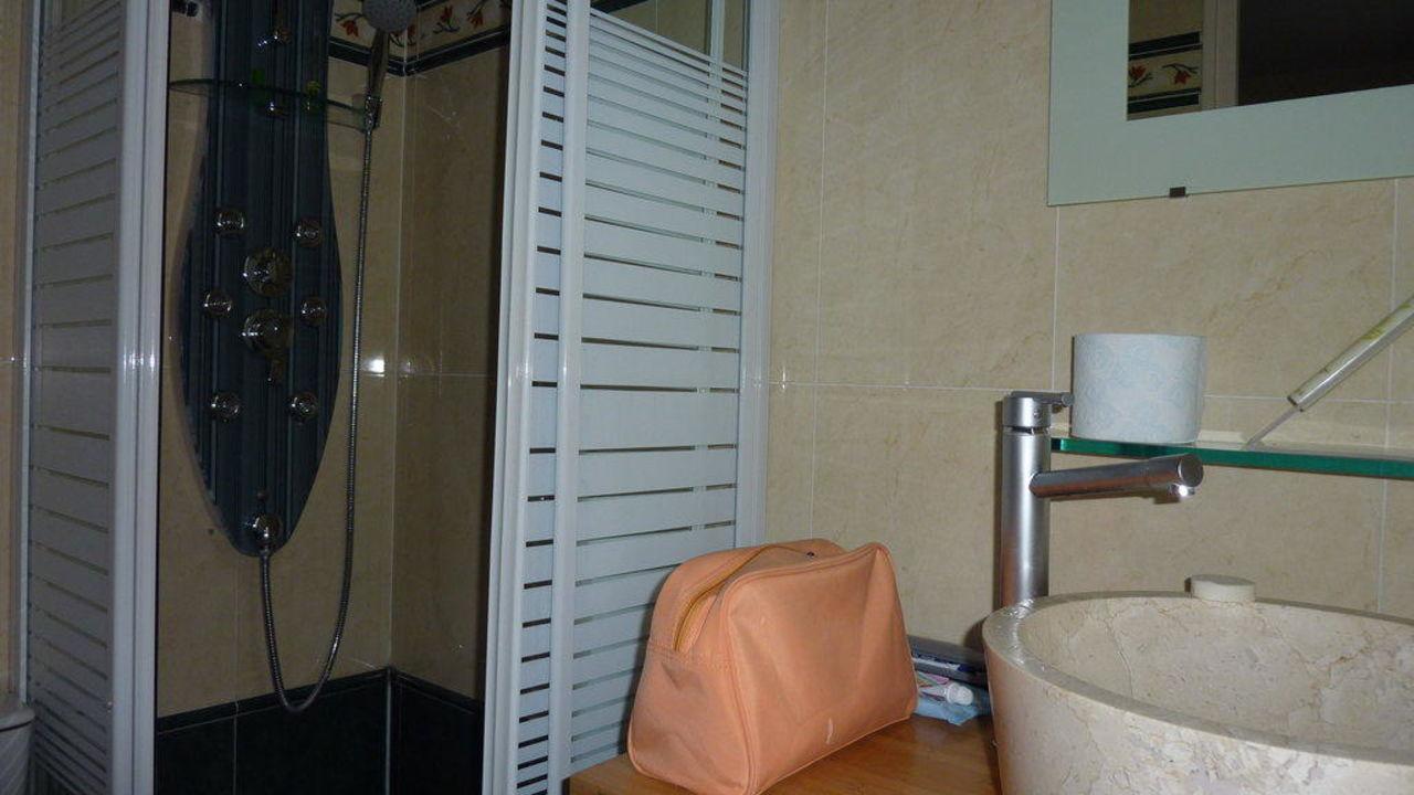 Blick ins Badezimmer Timhotel Gare de l'Est