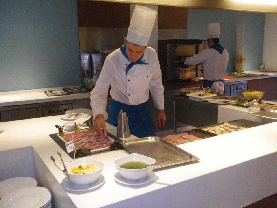 Koch bei der arbeit  Koch bei der Arbeit