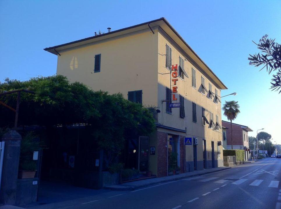 Hotel von außen Hotel Stipino