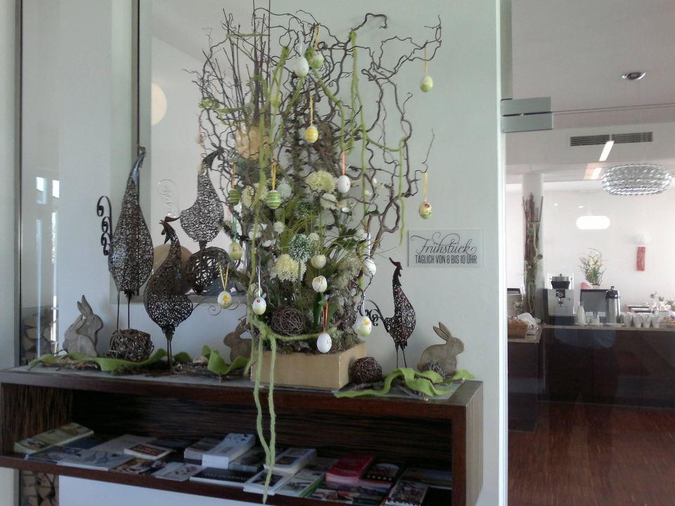 bild sehr erlesene moderne osterdeko zu hotel toscanina. Black Bedroom Furniture Sets. Home Design Ideas