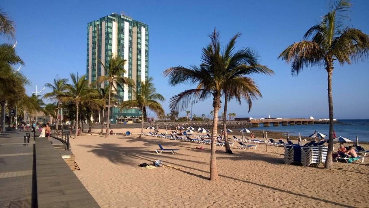 sch ner strand arrecife gran hotel spa arrecife holidaycheck lanzarote spanien. Black Bedroom Furniture Sets. Home Design Ideas