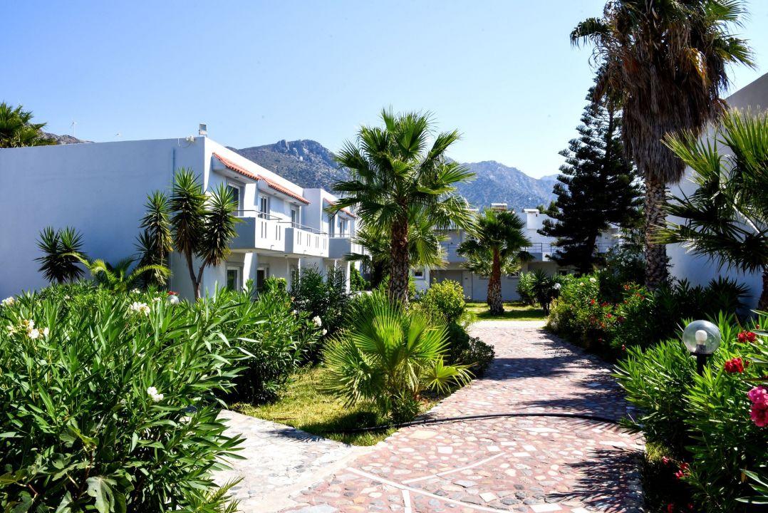 Gartenanlage Evripides Village