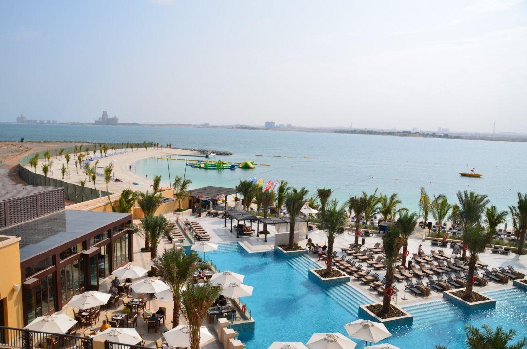 Swimming Pool Doubletree Hotel By Hilton Resort Spa Marjan Island Ras Al Khaimah