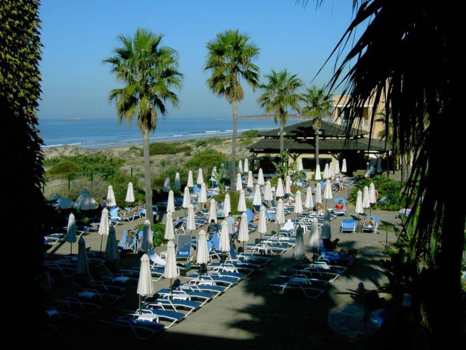 Blick auf das Pool / setl. Meerblick Hipotels Barrosa Park