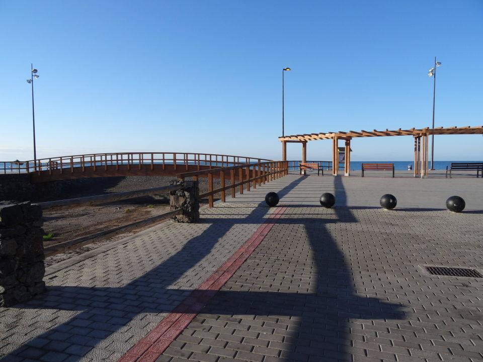 Parkplatz vor hotel r2 design bahia playa in tarajalejo for Designhotel spanien