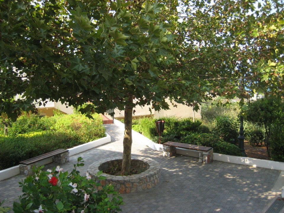 Schön und liebevoll angelegte Hoelanlage. smartline Village Resort & Waterpark