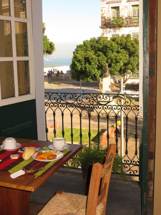 Vom Frühstückscafé kann man das Meer sehen Cafe Club Hotel
