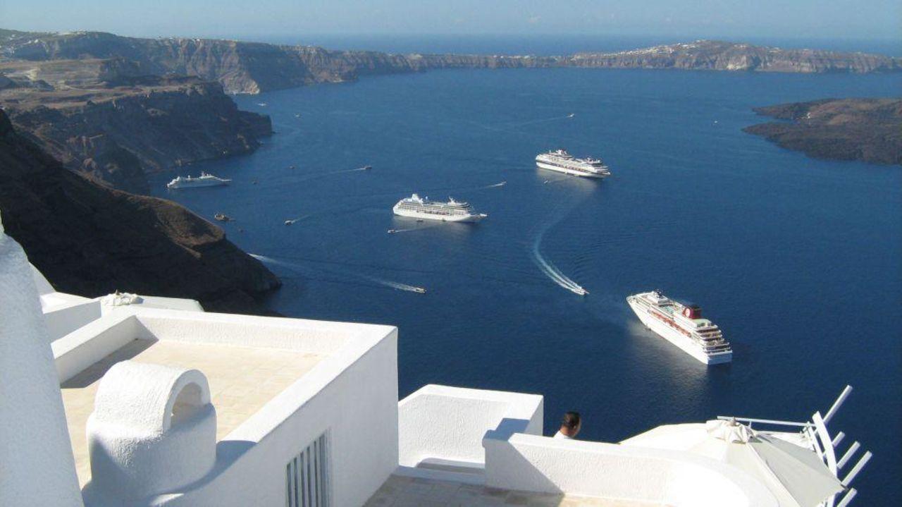 Blick vom Hotel zu den Kreuzern Hotel Chromata