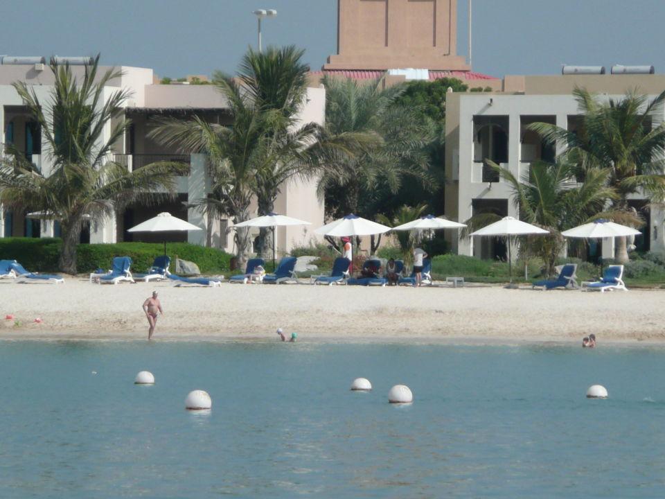 bild quot blick vom strand auf chalet quot zu ras al khaimah resort spa in ras al khaimah