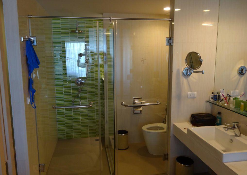 Sowohl Dusche Wie Wc Mit Glaswänden Hotel The Sands Khao Lak By