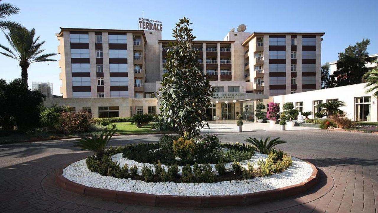 Hoteleingang Hotel Terrace Beach Resort