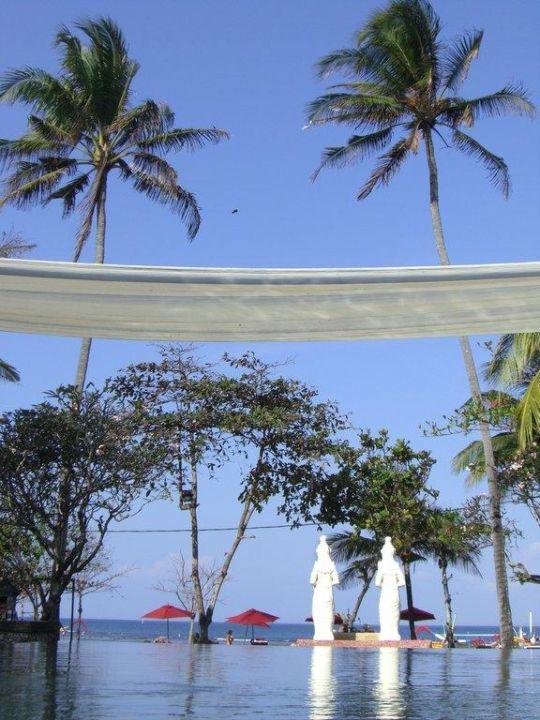 Infinity Pool Hotel Segara Village