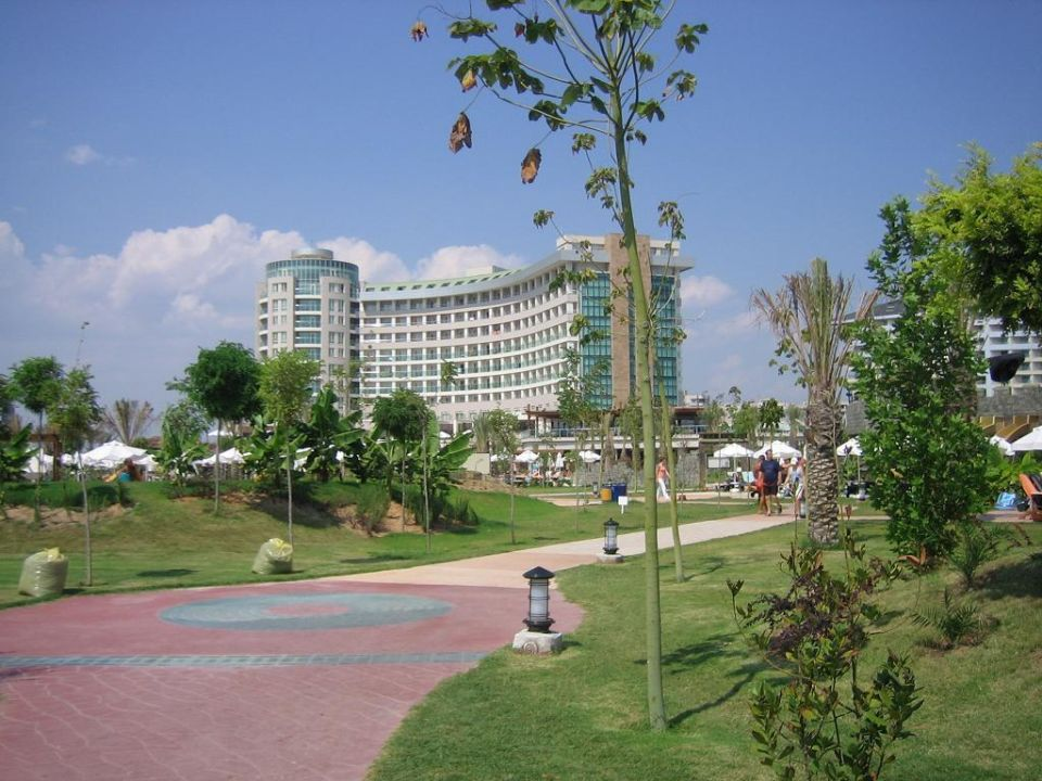 Auf dem Weg zum Pool Hotel Sherwood Breezes Resort