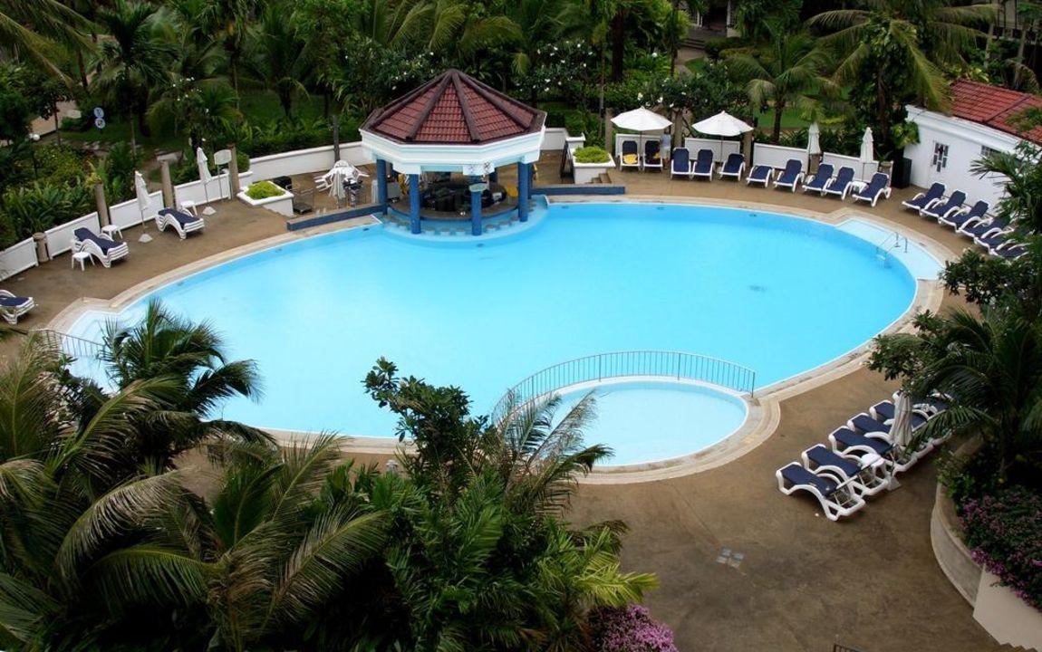 Terrassen Pool Centara Karon Resort Phuket Karon Beach