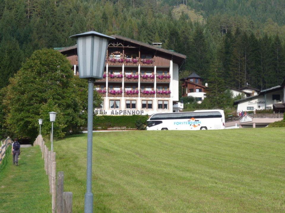 Hotel-Lage an der B181 Hotel St. Georg zum See