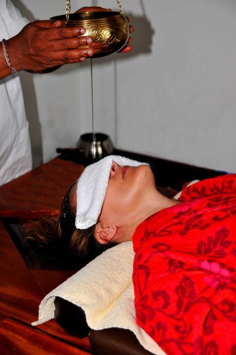 Ayurveda Behandlung - Shirodara Seehotel Schlierseer Hof