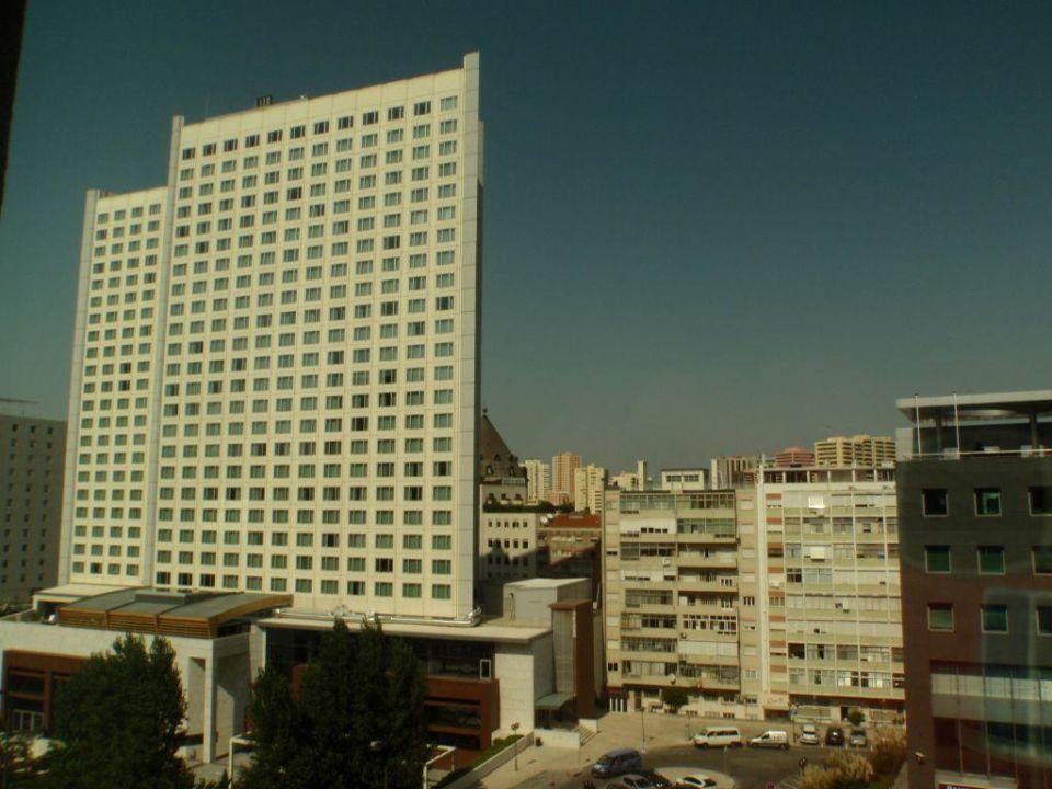 Widok z okna Hotel Mercure Lisboa