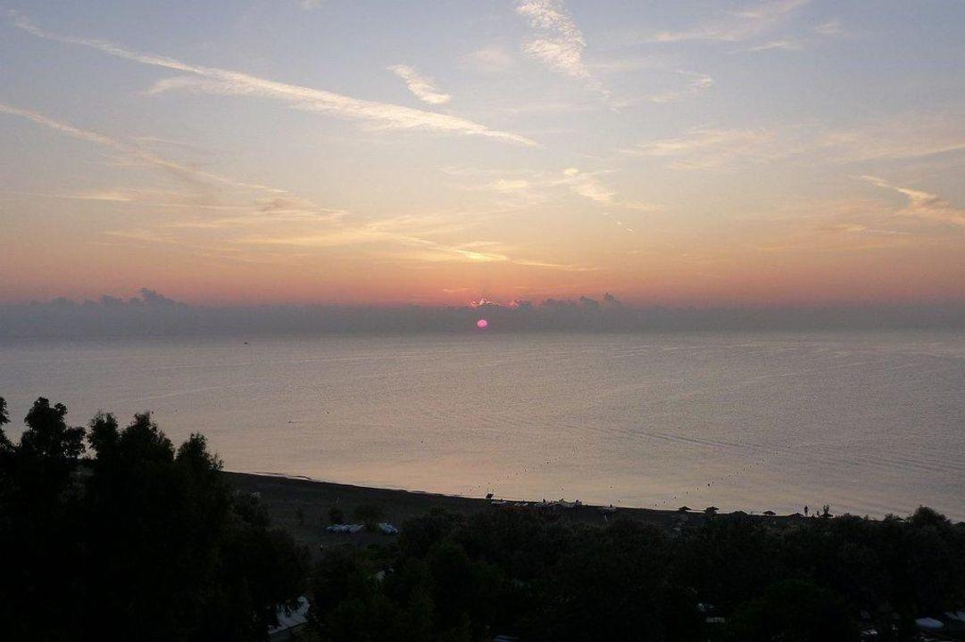 Sonnenaufgang Hotel Calypso Beach