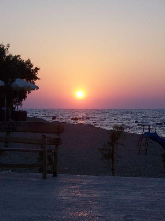 Sonnenuntergang vom Pier Cretan Filoxenia Beach Hotel  (geschlossen)