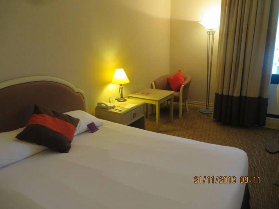 Einzelzimmer Bettseite Novel Hotel City Center