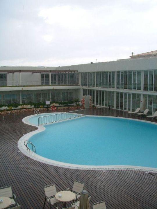Pool Im Innenhof Des Hotels Port Ciutadella Hotel Port Ciutadella