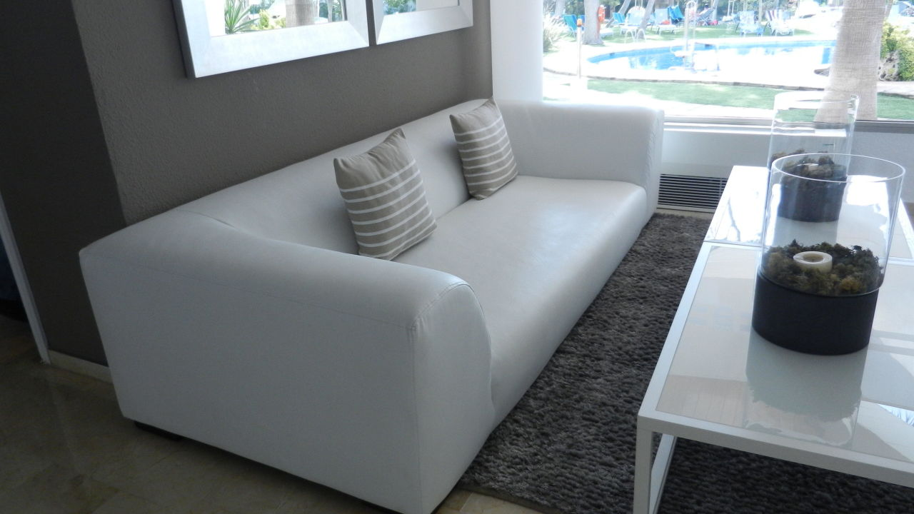 Tolle Lobbycouch Playa Esperanza Suites