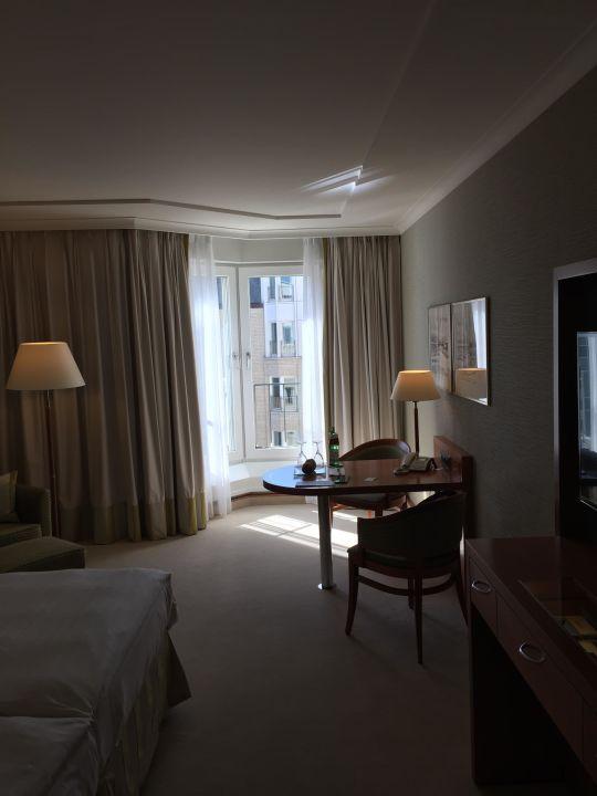Schönes großes Zimmer Grand Elysée Hamburg