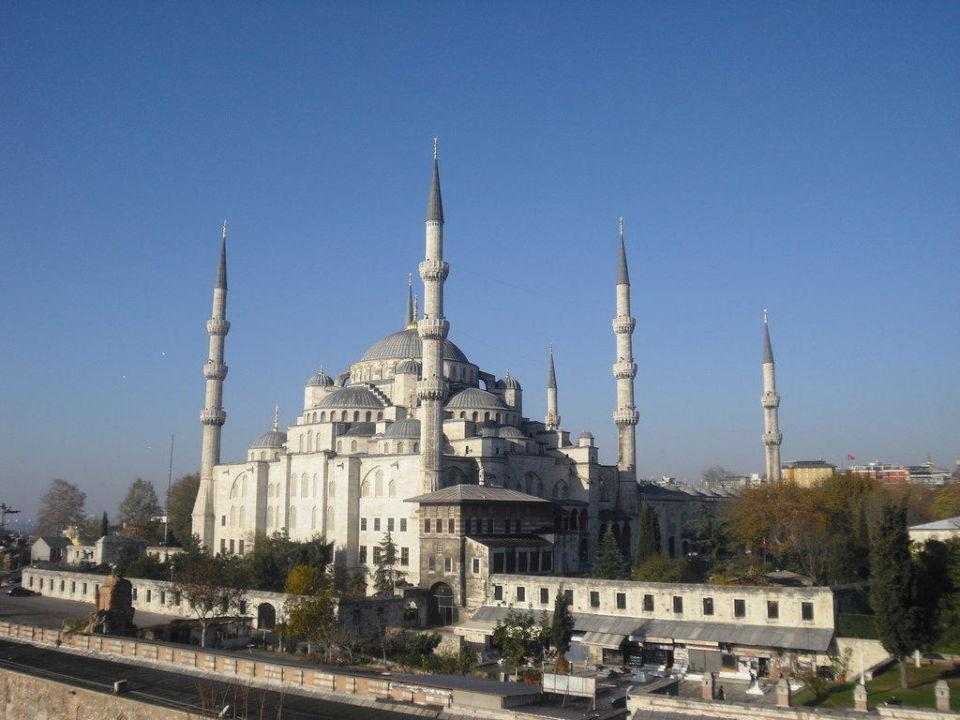 Blick auf die Blaue Moschee vom Dachgarten Hotel Askin