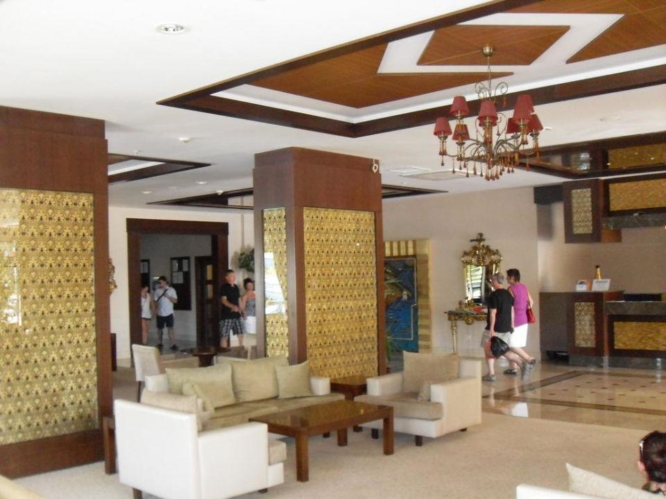 Lobby des Hotels Dosi Hotel