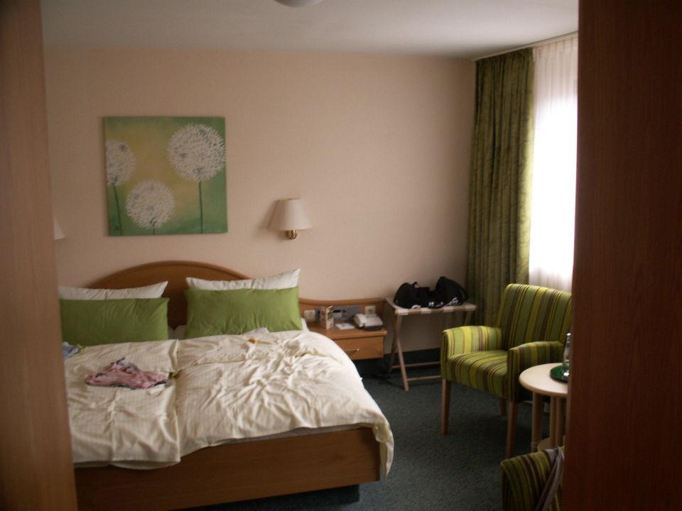 Schlafzimmer hotel werbetal waldeck holidaycheck - Schlafzimmer stephan ...