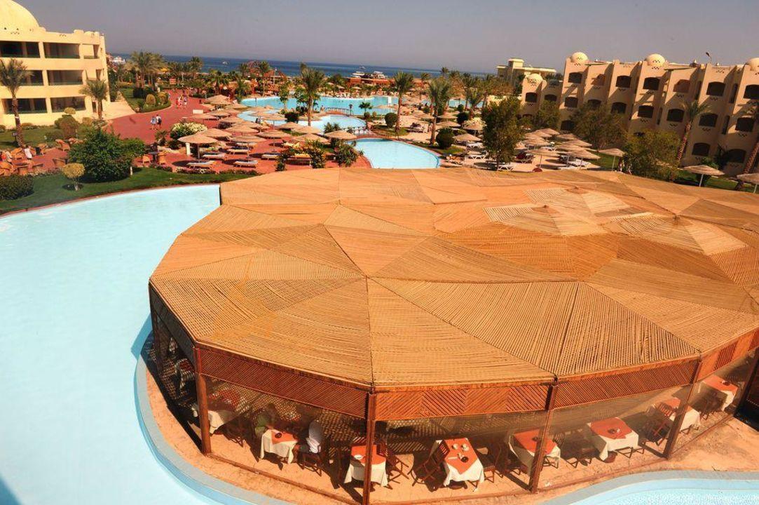 Pool und Außenrestaurant von oben Tia Heights Makadi Bay