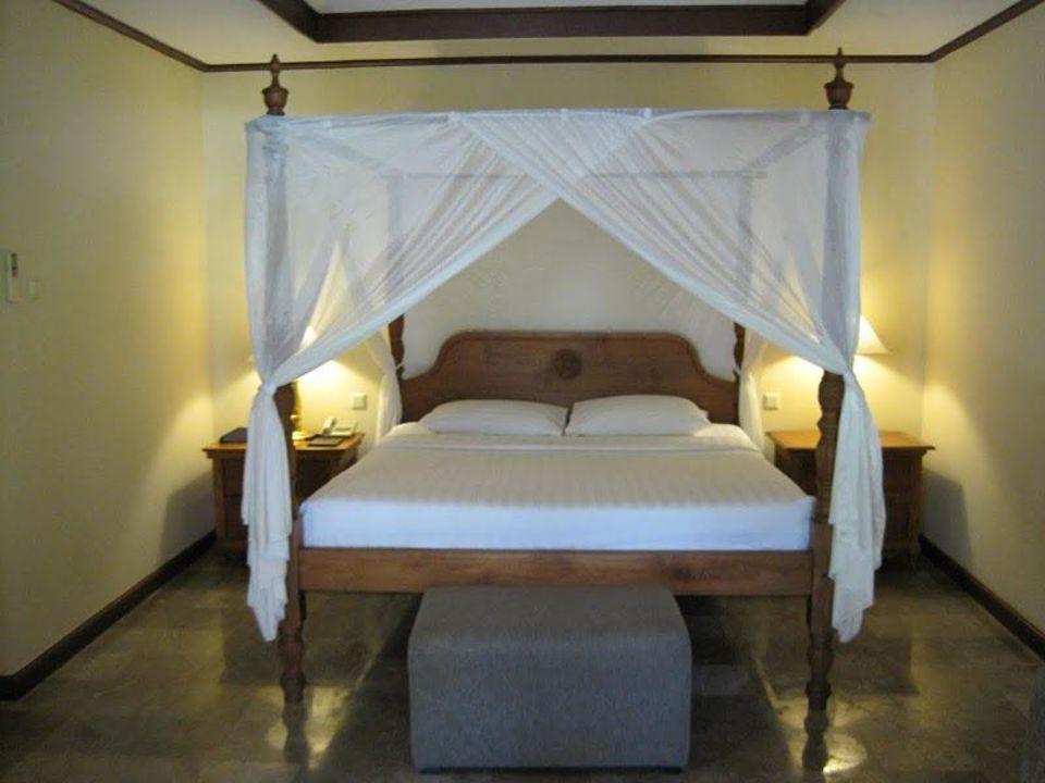 Garden Wing Room Hotel Puri Santrian