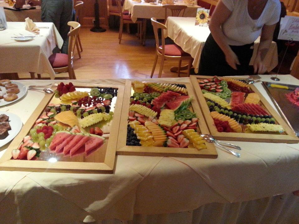 Reichaltige Dessertauswahl die Sonnigen Hotel und Restaurant