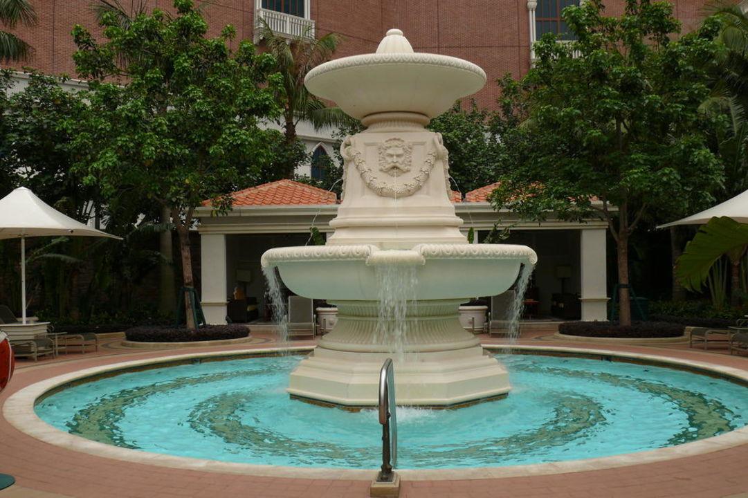 Die Poollandschaft The Venetian Macao Resort & Casino