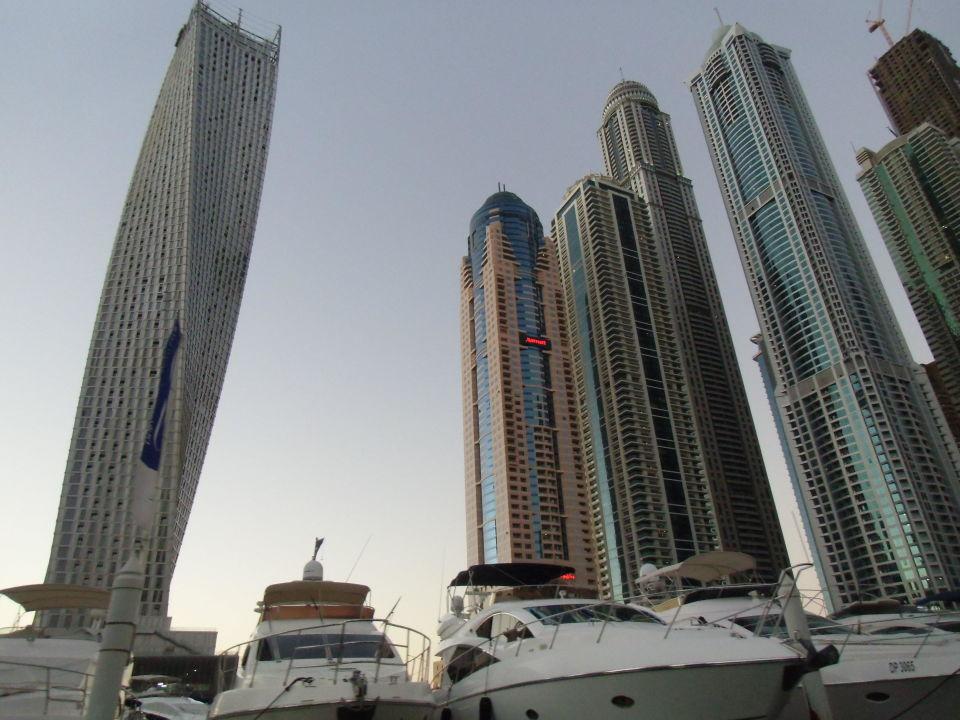 Vom Hafen aus gesehen Hotel Dubai Marriott Harbour Hotel & Suites