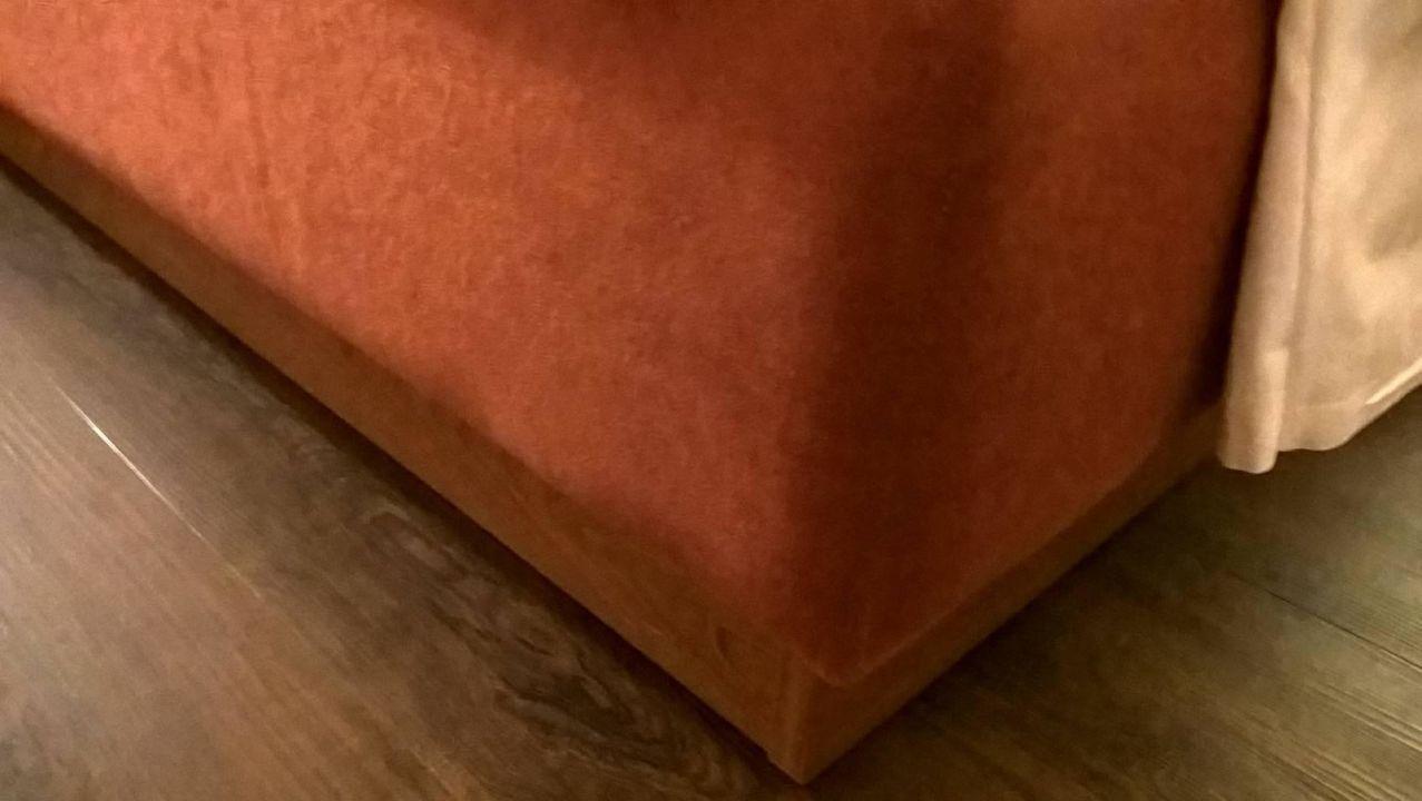 bild eklig verschmutzter stuhl zu parkhotel olsberg in. Black Bedroom Furniture Sets. Home Design Ideas