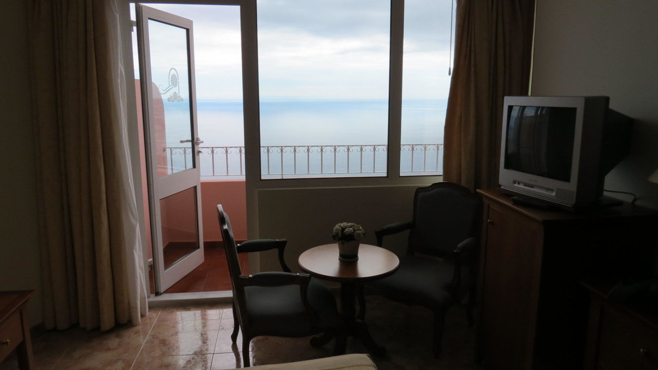 superior zimmer mit ausblick hotel ocean gardens funchal holidaycheck madeira portugal. Black Bedroom Furniture Sets. Home Design Ideas