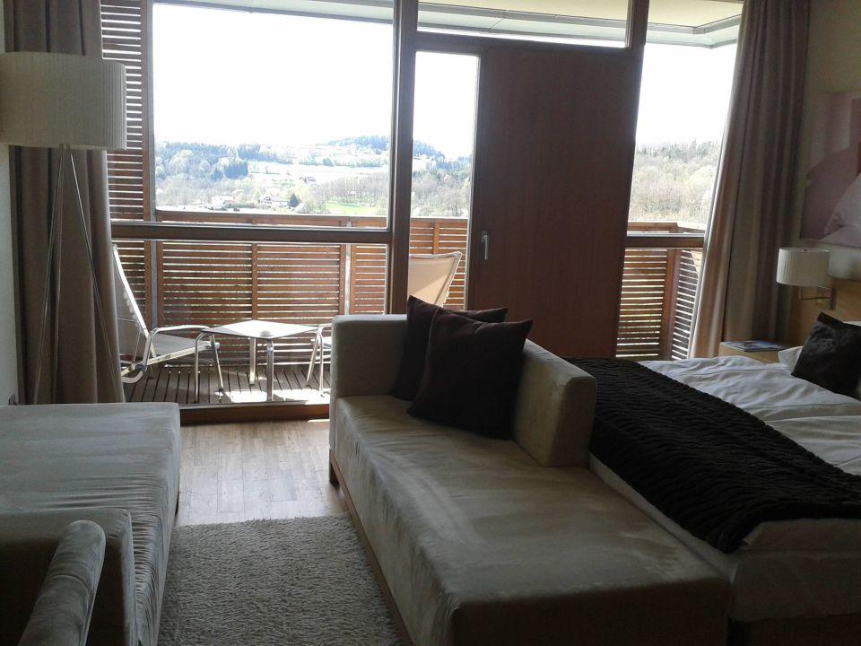 Doppelbett Couch Balkon Falkensteiner Balance Resort Stegersbach