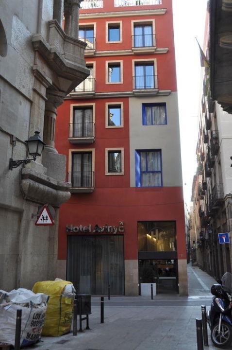 Aussenansicht des Hotels Hotel Catalonia Avinyo
