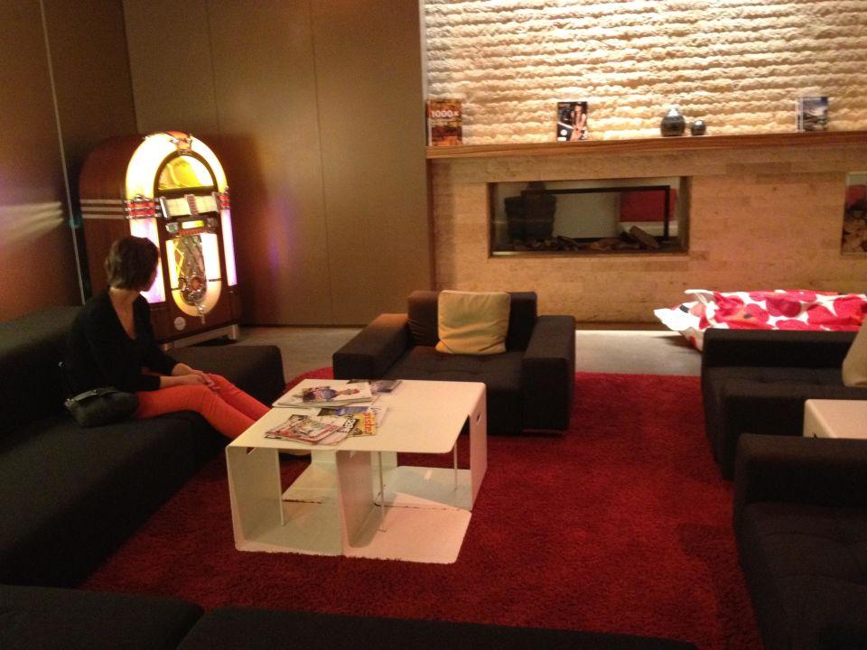 Das Wohnzimmer mit JukeBox