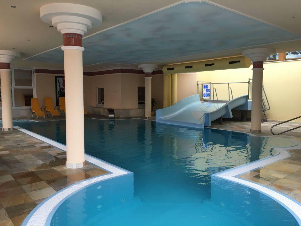 Pool mit rutsche hotel mooshaus winterresort k htai for Pool mit rutsche