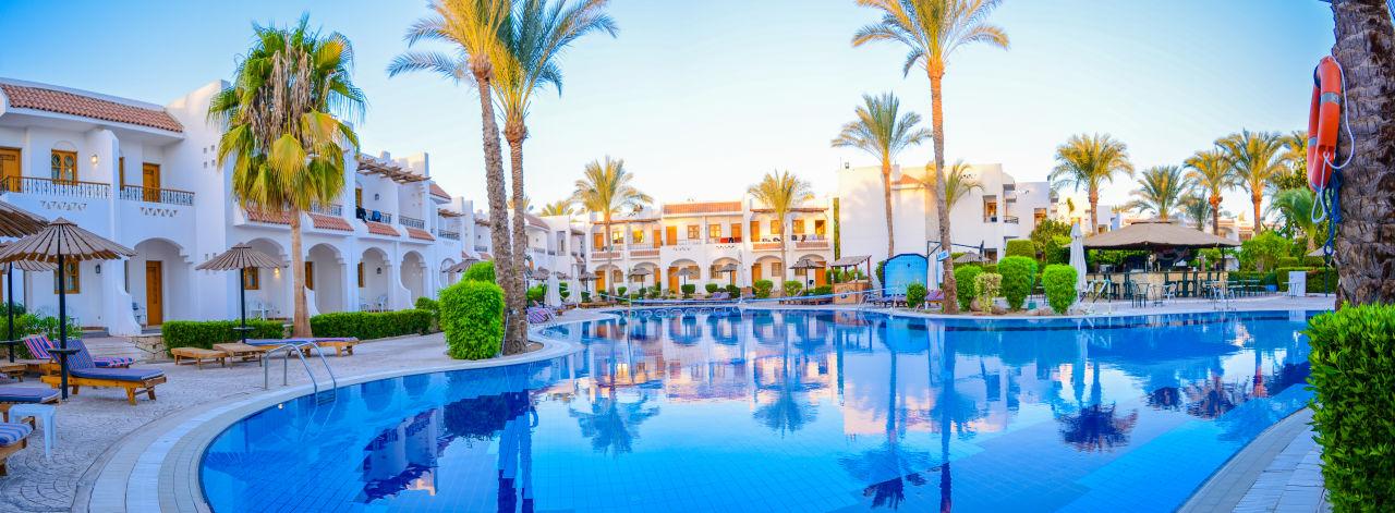 Pool dive inn resort sharm el sheikh hadabat umm es for Dive inn sharm